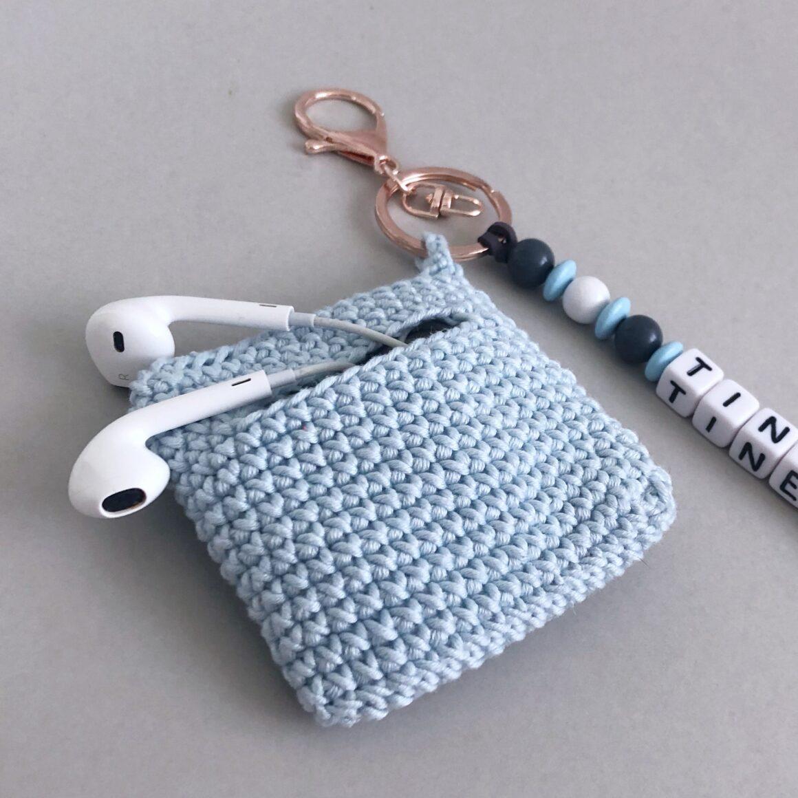 Liten taske med nøkkelring – hekleoppskrift