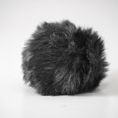 Pompon - 10,5cm sort
