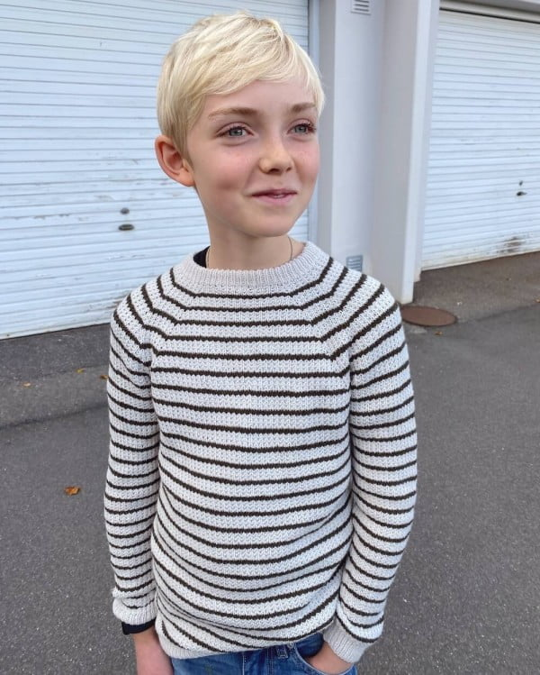 Friday Sweater Junior - papirutgave